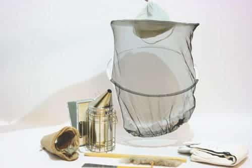 קיט ציוד בסיסי לרדיית דבש מכוורת. מוצרים